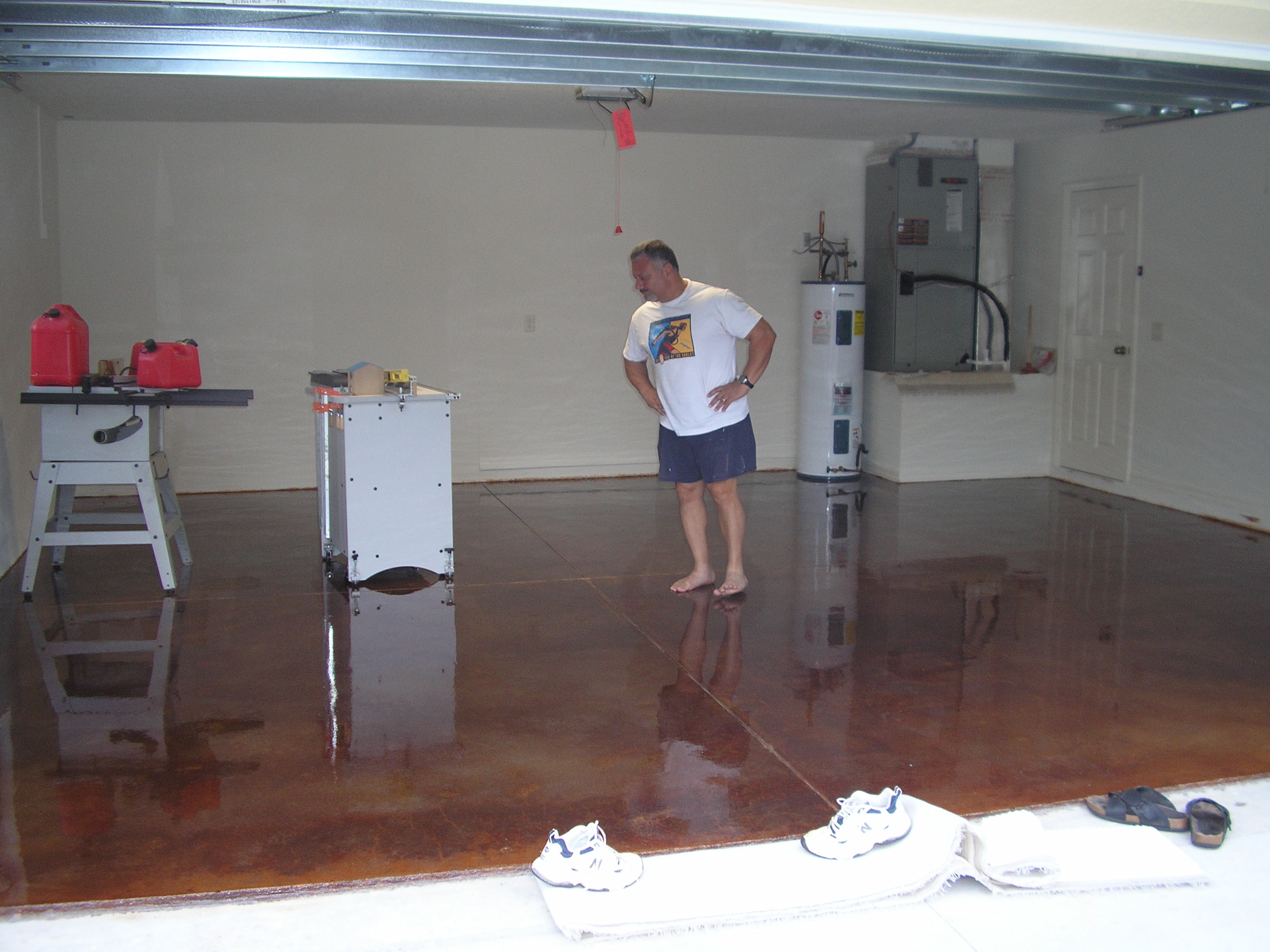 How to clean concrete garage floor home fatare for How to clean concrete garage floor
